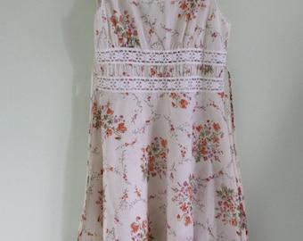 1970's Beautiful Boho Chic Cotton Flower Dress