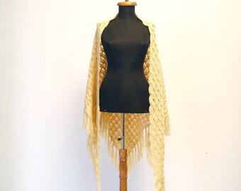 Vintage crocket wool scarf