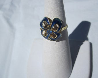 18 k Blue Enamel Flower Ring