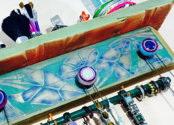 Floating shelves/ pallet wood wall hanging jewelry shelf/ reclaimed wood decor Art Deco flowers 3 hand-painted knobs 2 hooks bracelet bar