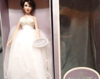 Liz Taylor as a famous movie star by Franklin Mint