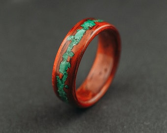 Bentwood ring, padouk wood ring with crushed malachite stone inlay