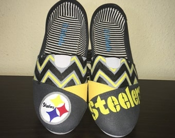 Pittsburg Steelers womens shoes Toms available