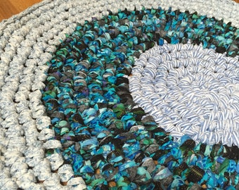round crochet rag rug, blue and black tones