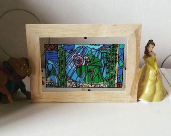 Frame stained glass: The old woman (La Belle et la bête)