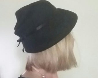 Vintage Black Wool Cloche Style Hat