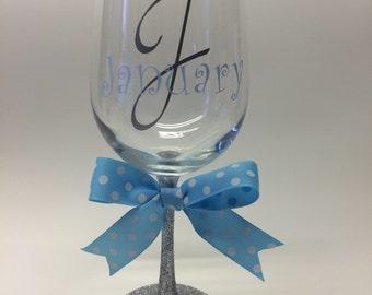 Personalized wine glass | Glitter wine glass | Bachelorette gifts | Bridesmaid gift