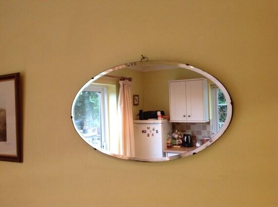 Una bella grande ovale vintage art deco specchio da parete con - Specchio grande da parete ...