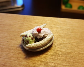Miniature Banana Split dollhouse miniatures