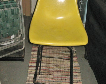 Vintage 1950'S Yellow Fiberglass Swivel CHAIR Bar Stool Counter Height
