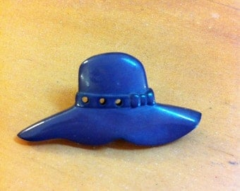 Floppy hat brooch