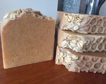 Oats Goats & Bees (Oatmeal, Milk and Honey) Handmade Fragranced Goatsmilk Soap