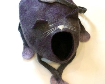 Cat bed/ cat cave/ cat house/ Felted cat house -Sleepy cat!