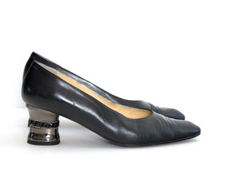 Vintage heel shoes. Black leather heel shoes. Italian shoes. Oxfords shoes. Made in Italy by Verdecchia Mainqua. Womens size 8 1/2.