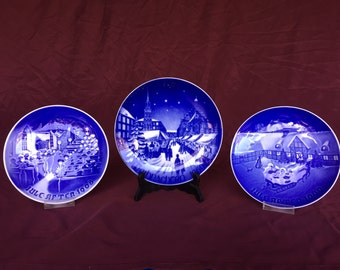 Vintage Collector Christmas Plates