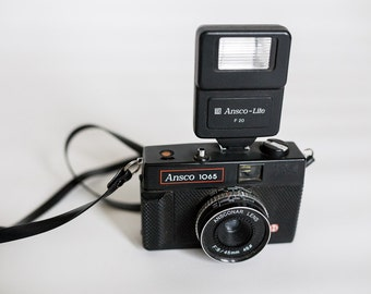Ansco 1065 35mm Plastic Camera with Flash...WITH FILM!