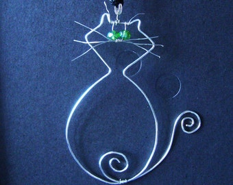 wire cat necklace pendant, cat charm necklace,  wire necklace, Wire jewelry,green crystals