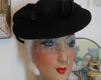 Beautiful 1940's Black Felt Tilt Hat