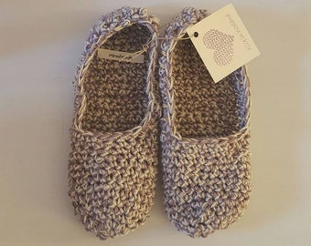 Crochet slippers. Handmade crochet cotton or woolen slippers in many colors and color combinations.