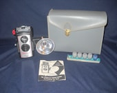 Vintage Imperial Deluxe Twin Lens Reflex Camera, Camera Kit, Plastic Body