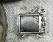 Set of (10) Retro TV Charms, 10 per package. HOU039