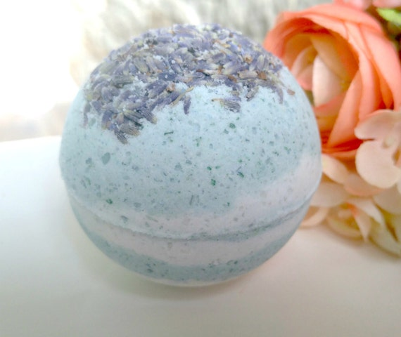 Large Essential Oil Bath Bomb- Eucalyptus
