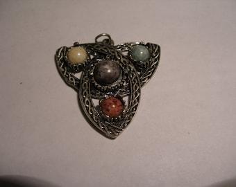 JOSETTE Celtic Knot Pendant(226)