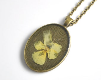 Yellow Pansy Necklace, Pressed Flower Jewelry, Real Pansy Flower, Vintage Botanical Necklace, Nature Lover Gift Idea,Unique Handmade Pendant