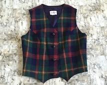 Vintage plaid vest. Wool vest. Christmas vest. Christmas plaid vest. Holiday vest. Ugly Christmas vest. Vintage wool vest. Womens wool vest.