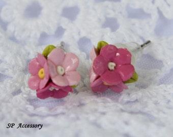 Miniature Pink Bouquet Daisy Earrings, pink flower clay stud, pink daisy earrings clay, pink bouquet daisy clay stud