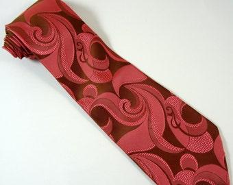 Vintage 1970s Necktie Short and Wide Salmon Pink Tie