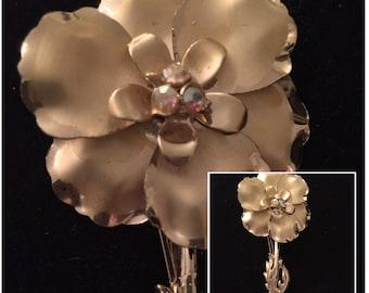 Vintage Big Gold tone Flower Brooche
