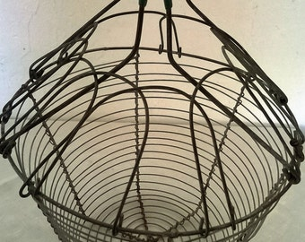 Wire egg basket, vegetable basket, French country decor, farmhouse decor, shabby chic kitchen, rustic home, retro kitchen, French vintage