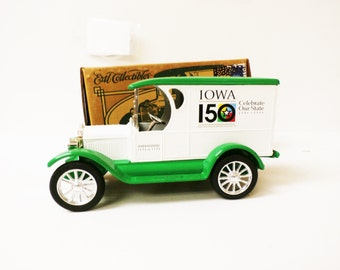 Ertl Collectibles 1923 Car Bank - IOWA 150 Celebrate Our State 1995