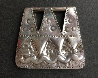 Interesting silver pendant - Nubian - Pyramids - handmade in Cairo