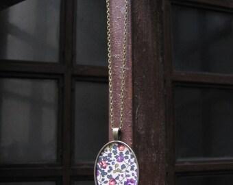 Oval pendant Eloise Plum color