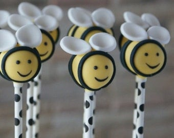 Bumble Bee Cake Pops/bridal shower favor/baby shower favor/birthday party /baby welcome home