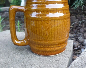 Brown Barrel-Shaped Mug