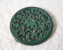 French vintage cast iron trivet, green enamel trivet –French vintage, French décor – dessous de plat en fonte émaillée