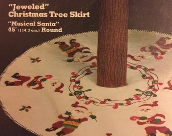 Sultana Felt Christmas Tree Skirt Embroidery Kit
