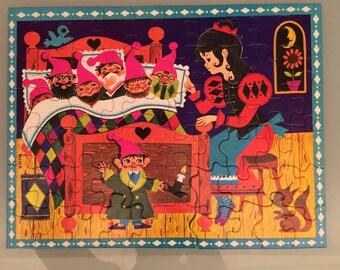 Vintage puzzle - snow white and the seven dwarfs