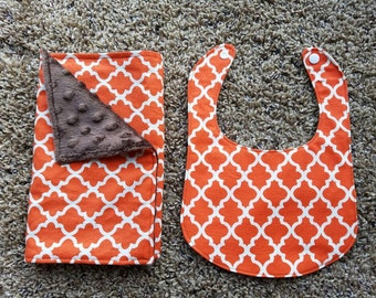 Fall bib and burp cloth set.