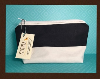Black and white zipper bag
