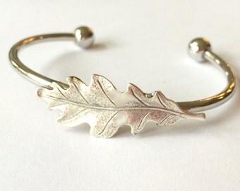 Silver Oak Leaf Bracelet Oak leaf bangle Oak Bracelet Bangle Oak Tree Jewelry Oak leaf Jewelry Silver woodland bracelet stacking bracelet