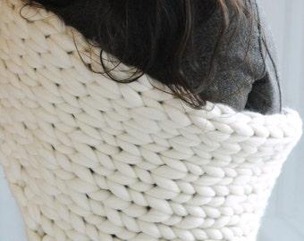 Le Triangle - The Triangle - Châle -  Foulard - Laine Flying XL - Giant Knitting - Bulky Yarn -