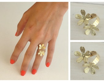 Open flower ring , Adjustable gold ring , Jewelry gift idea.