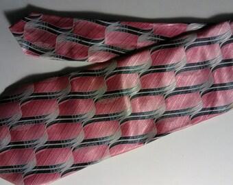 308.  Puritan necktie