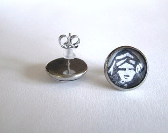 The little mermaid from Anderson. Little earrings nails. Stainless steel hypoallergenic fairy tale princess