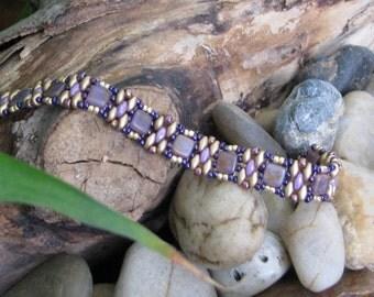 """Bracelet """"Vicky"""" 6 3/4 pcs /Alexendrite Picasso & Light Gold / artisan québécois"""
