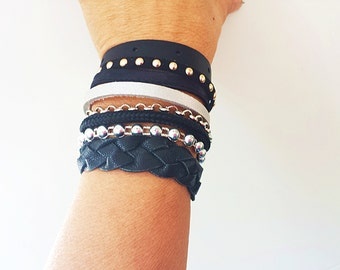 Cuff in black leather and chain BRACELET